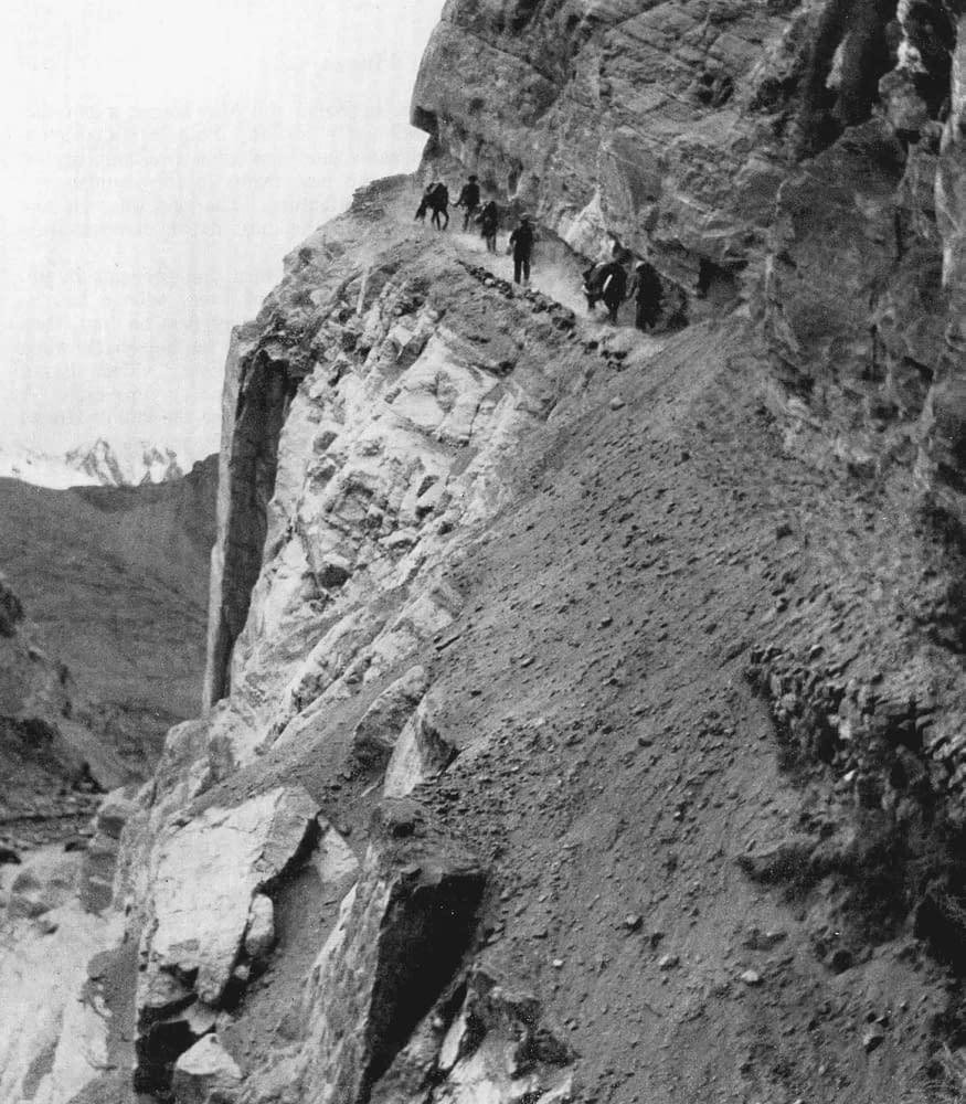 Hunza - À leur retour vers Gilgit, une avalanche est tombée entre Franc Shor et sa femme
