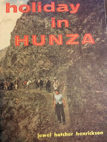 "Ouvrage ""Holiday in Hunza"""
