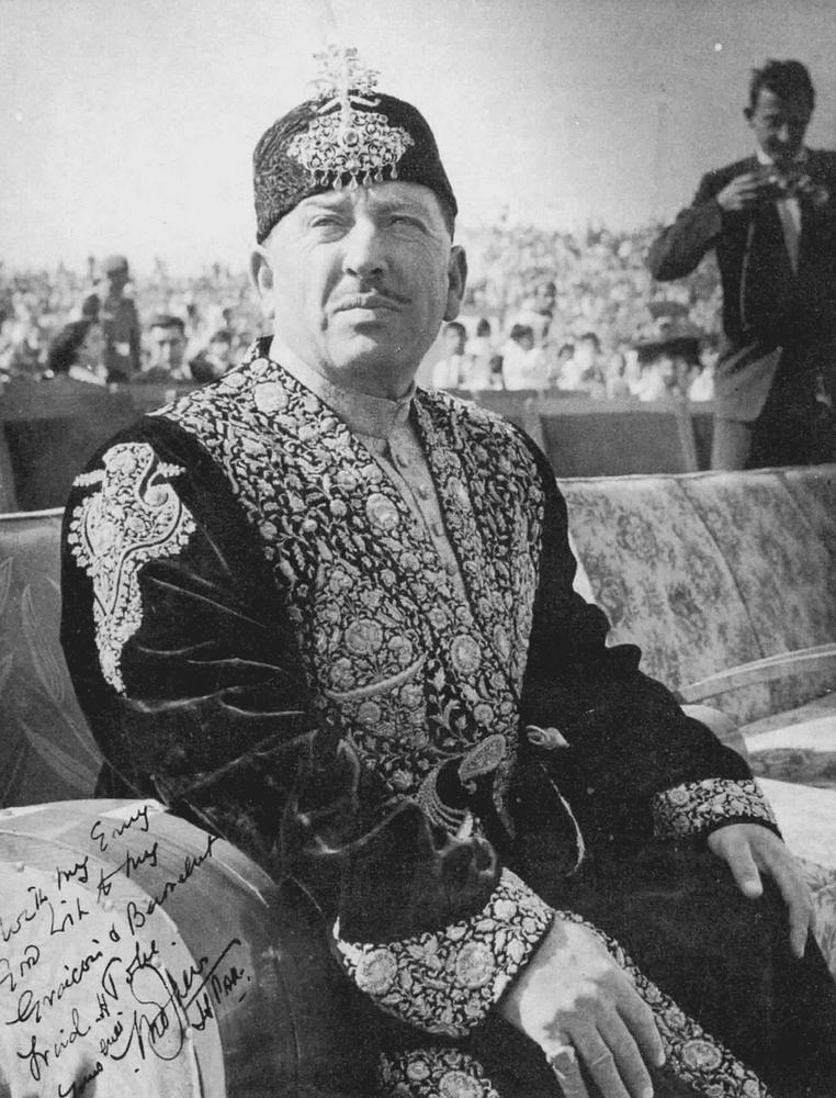 Le Mir du Hunza dans son habit de cérémonie