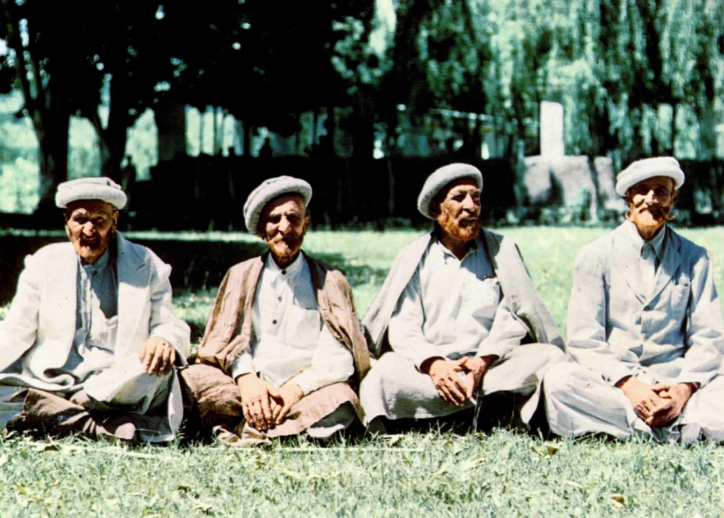 """Hunza - Quatre Hunzakuts """"plus que centenaires"""" selon Hoffman"""